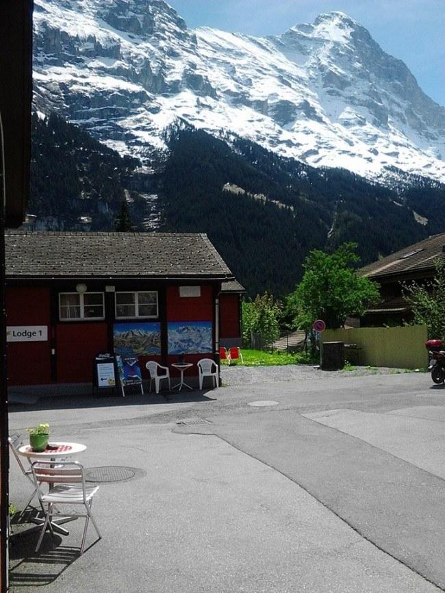 Swiss tak Selalu Bersalju